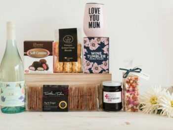With Love and Kisses Mother's Day hamper